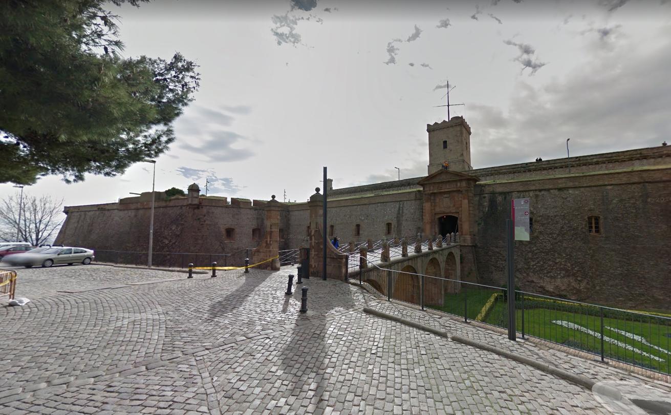 """[:et]Montjuici kindlus <img src=""""https://www.tourism360.net/mtb/poi/photo.png""""/>[:en]Montjuïc Castle <img src=""""https://www.tourism360.net/mtb/poi/photo.png""""/>[:]"""